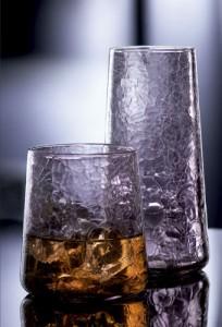 Cristalería La Rochere Emotions vasos de cristal con relieve morados